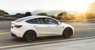 Tesla da record: quasi 500mila vetture consegnate. Crollano Model S e X