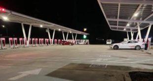 Tesla Supercharger, ecco la più grande stazione al mondo