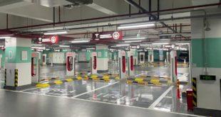 Il pazzesco Supercharger con 72 stalli: è il più grande al mondo!