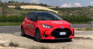 """Recensione Toyota Yaris Hybrid: """"salto ibrido"""" nella quarta generazione"""