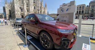 La BMW iX debutta al MIMO. Com'è dal vivo